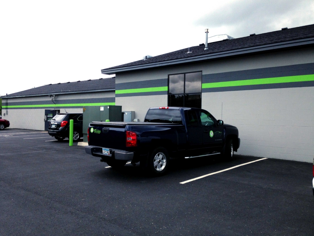 summary of north country auto North country auto, inc is a company that also is authorized dealer for service for several brands of cars such as ford, saab, and volkswagen north countru auto has two partners, namely george liddy and andrew jones.